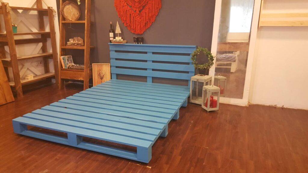 mavi palet yatak iskeleti