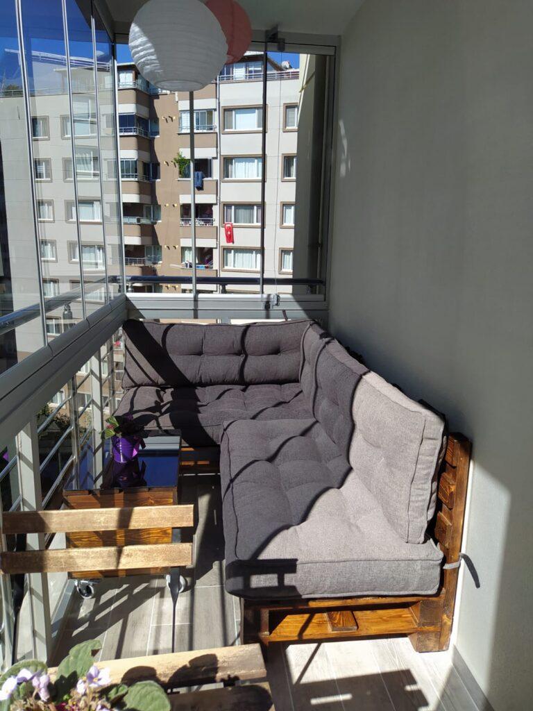 Kucuk Balkonlar Icin Dekorasyon Fikirleri Dekorozi