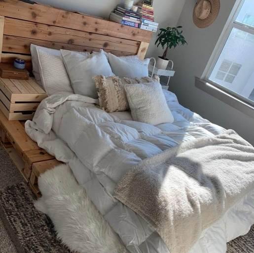 palet yatak başlığı