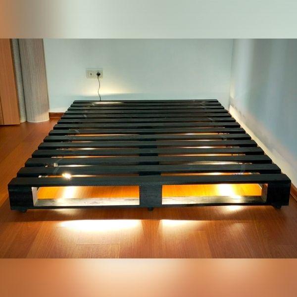siyah palet yatak