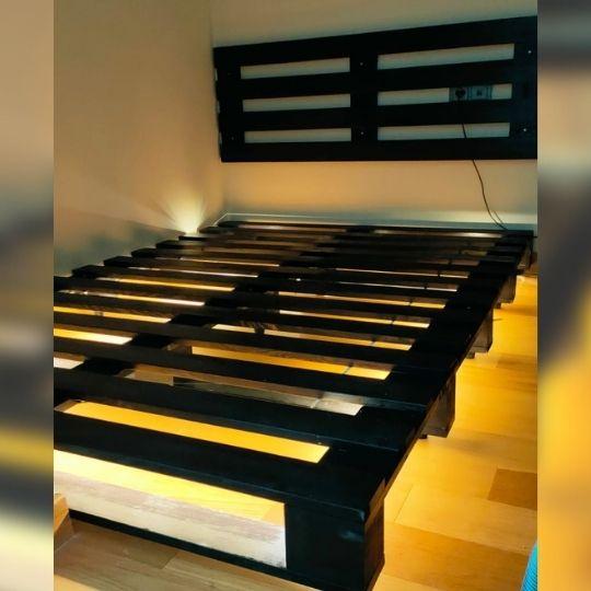 palet yatak ışıklı